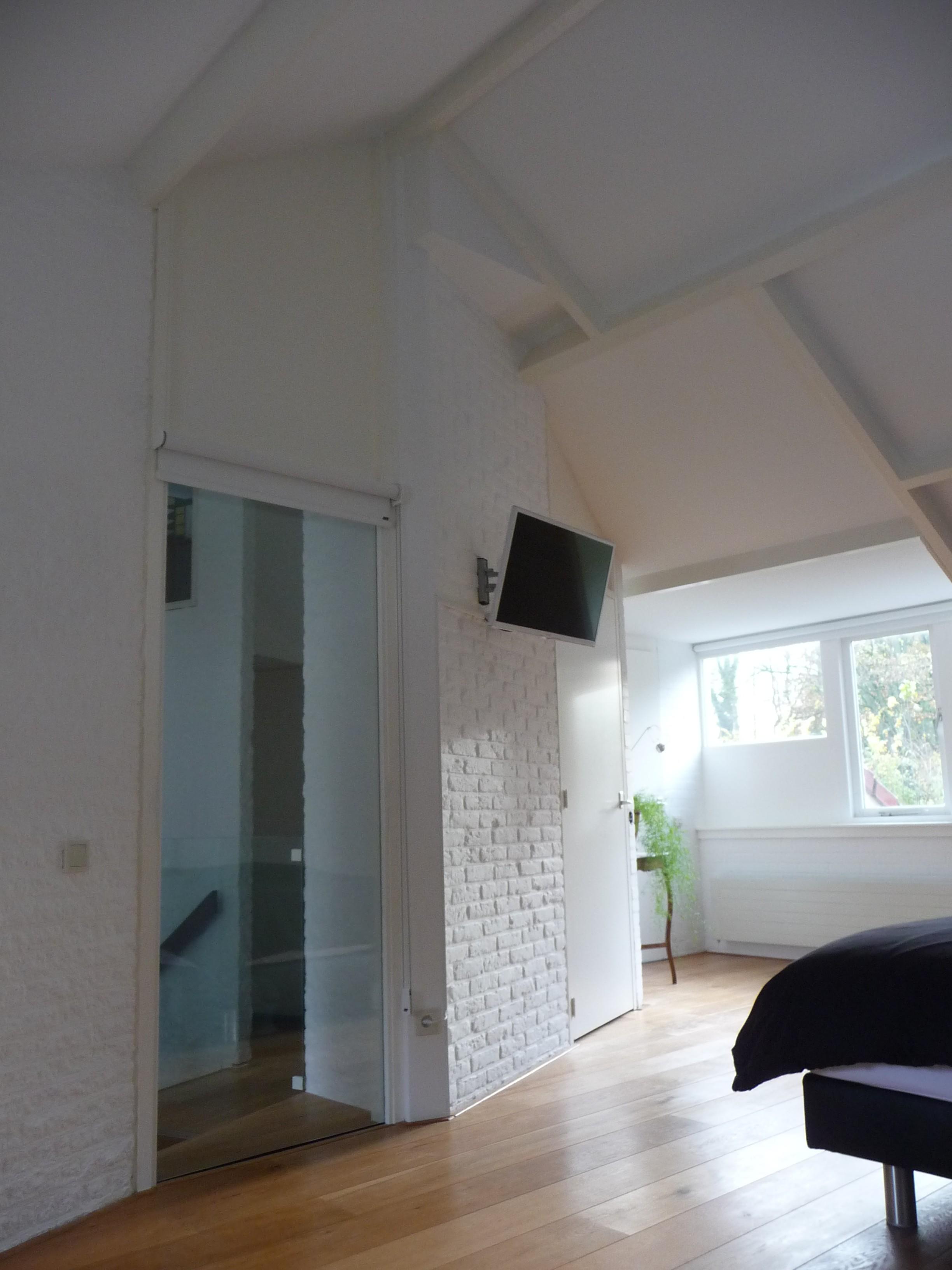 Schouten interieurwerk badkamer slaapkamer - Het creeren van een master suite ...
